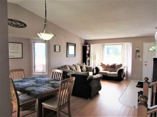 Photo 2: 15432 68 Street in Edmonton: Zone 28 House for sale : MLS®# E4164741