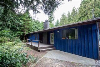 Photo 2: 7964 COOPER Road in Halfmoon Bay: Halfmn Bay Secret Cv Redroofs House for sale (Sunshine Coast)  : MLS®# R2398564