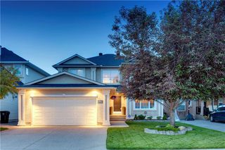 Main Photo: 54 SIMCOE Crescent SW in Calgary: Signal Hill Detached for sale : MLS®# C4268548