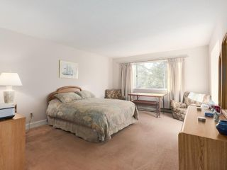 "Photo 12: 21 RAVINE Drive in Port Moody: Heritage Mountain House for sale in ""Heritage Mountain"" : MLS®# R2422654"