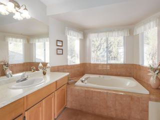"Photo 14: 21 RAVINE Drive in Port Moody: Heritage Mountain House for sale in ""Heritage Mountain"" : MLS®# R2422654"