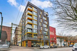 "Photo 1: 807 150 E CORDOVA Street in Vancouver: Downtown VE Condo for sale in ""INGASTOWN"" (Vancouver East)  : MLS®# R2423727"