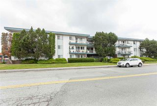 """Photo 1: 104 17707 57A Avenue in Surrey: Cloverdale BC Condo for sale in """"Frances Manor"""" (Cloverdale)  : MLS®# R2426282"""