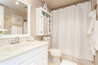 """Photo 19: 104 17707 57A Avenue in Surrey: Cloverdale BC Condo for sale in """"Frances Manor"""" (Cloverdale)  : MLS®# R2426282"""