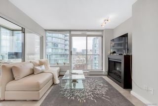 "Photo 6: 2506 688 ABBOTT Street in Vancouver: Downtown VW Condo for sale in ""THE FIRENZE II"" (Vancouver West)  : MLS®# R2427192"