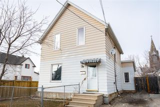 Photo 1: 681 Pacific Avenue in Winnipeg: Residential for sale (5A)  : MLS®# 202007895