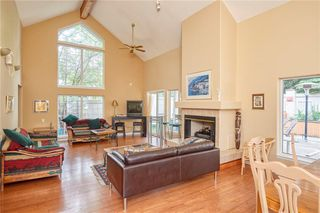 Photo 15: 305 1997 Sirocco Drive SW in Calgary: Signal Hill Row/Townhouse for sale : MLS®# C4303715