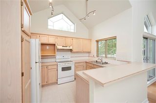 Photo 5: 305 1997 Sirocco Drive SW in Calgary: Signal Hill Row/Townhouse for sale : MLS®# C4303715