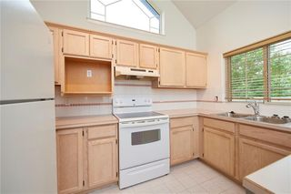 Photo 7: 305 1997 Sirocco Drive SW in Calgary: Signal Hill Row/Townhouse for sale : MLS®# C4303715