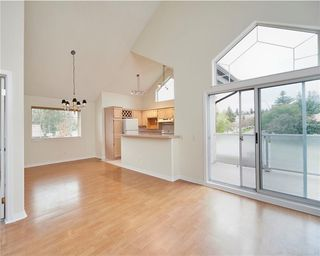 Photo 1: 305 1997 Sirocco Drive SW in Calgary: Signal Hill Row/Townhouse for sale : MLS®# C4303715
