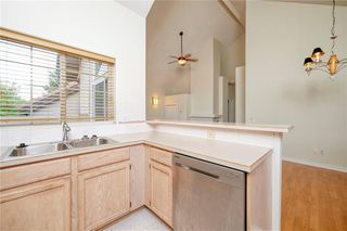 Photo 6: 305 1997 Sirocco Drive SW in Calgary: Signal Hill Row/Townhouse for sale : MLS®# C4303715
