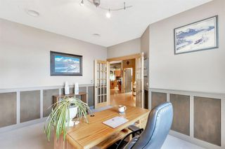 Photo 7: 25 SIMCOE Bay SW in Calgary: Signal Hill Detached for sale : MLS®# A1026296