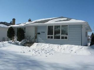Photo 2: 1138 ROTHESAY ST in Winnipeg: Residential for sale (North Kildonan)  : MLS®# 1103917