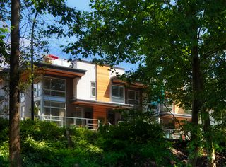 Photo 1: 124 735 W 15th Street in North Vancouver: Hamilton Townhouse for sale