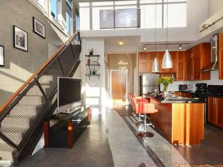 """Photo 6: PH605 2635 PRINCE EDWARD Street in Vancouver: Mount Pleasant VE Condo for sale in """"SOMA LOFTS"""" (Vancouver East)  : MLS®# V1033339"""