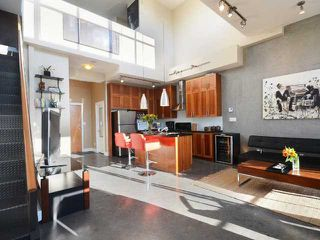 """Photo 4: PH605 2635 PRINCE EDWARD Street in Vancouver: Mount Pleasant VE Condo for sale in """"SOMA LOFTS"""" (Vancouver East)  : MLS®# V1033339"""