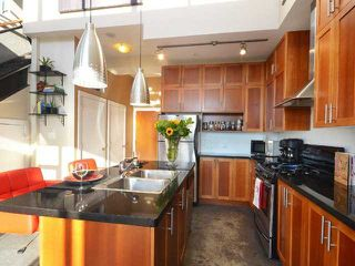 """Photo 7: PH605 2635 PRINCE EDWARD Street in Vancouver: Mount Pleasant VE Condo for sale in """"SOMA LOFTS"""" (Vancouver East)  : MLS®# V1033339"""