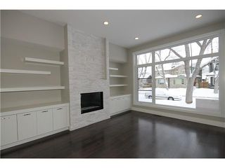 Photo 4: 327 18 Avenue NW in CALGARY: Mount Pleasant Residential Attached for sale (Calgary)  : MLS®# C3592843