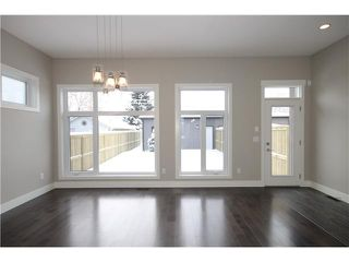 Photo 13: 327 18 Avenue NW in CALGARY: Mount Pleasant Residential Attached for sale (Calgary)  : MLS®# C3592843