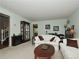 Photo 3: 6577 Rodolph Rd in VICTORIA: CS Tanner House for sale (Central Saanich)  : MLS®# 656437