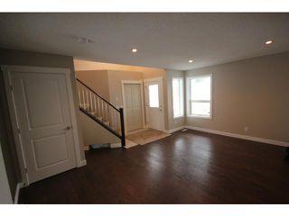 Photo 2: 35 CARMEL Close NE in CALGARY: Monterey Park Residential Detached Single Family for sale (Calgary)  : MLS®# C3597213