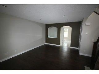 Photo 3: 35 CARMEL Close NE in CALGARY: Monterey Park Residential Detached Single Family for sale (Calgary)  : MLS®# C3597213