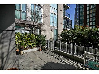 "Photo 14: 104 928 RICHARDS Street in Vancouver: Yaletown Townhouse for sale in ""THE SAVOY"" (Vancouver West)  : MLS®# V1050267"
