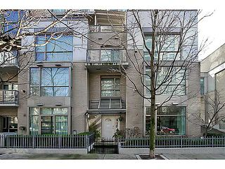 "Photo 13: 104 928 RICHARDS Street in Vancouver: Yaletown Townhouse for sale in ""THE SAVOY"" (Vancouver West)  : MLS®# V1050267"
