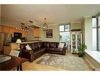 """Photo 1: 104 928 RICHARDS Street in Vancouver: Yaletown Townhouse for sale in """"THE SAVOY"""" (Vancouver West)  : MLS®# V1050267"""