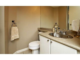 "Photo 11: 104 928 RICHARDS Street in Vancouver: Yaletown Townhouse for sale in ""THE SAVOY"" (Vancouver West)  : MLS®# V1050267"