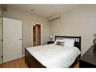 "Photo 8: 104 928 RICHARDS Street in Vancouver: Yaletown Townhouse for sale in ""THE SAVOY"" (Vancouver West)  : MLS®# V1050267"