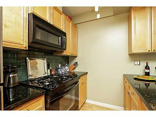 "Photo 4: 104 928 RICHARDS Street in Vancouver: Yaletown Townhouse for sale in ""THE SAVOY"" (Vancouver West)  : MLS®# V1050267"