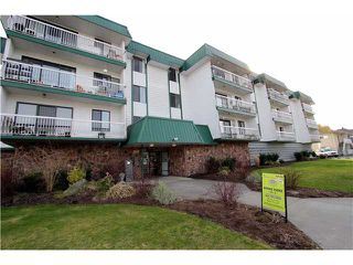 Photo 1: 303 46374 MARGARET Avenue in Chilliwack: Chilliwack E Young-Yale Condo for sale : MLS®# H1401032