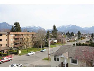 Photo 12: 303 46374 MARGARET Avenue in Chilliwack: Chilliwack E Young-Yale Condo for sale : MLS®# H1401032