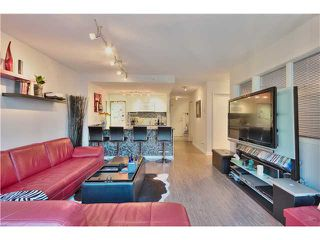 Photo 2: 905 788 HAMILTON Street in Vancouver: Downtown VW Condo for sale (Vancouver West)  : MLS®# V1053998