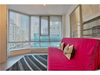 Photo 7: 905 788 HAMILTON Street in Vancouver: Downtown VW Condo for sale (Vancouver West)  : MLS®# V1053998