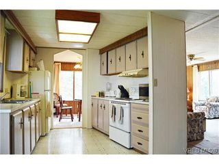 Photo 2: 36 2587 Selwyn Rd in VICTORIA: La Mill Hill Manufactured Home for sale (Langford)  : MLS®# 695474