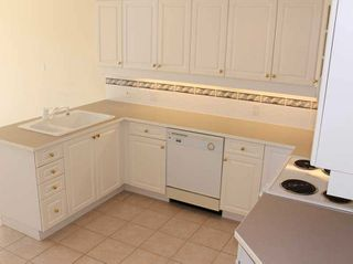 "Photo 10: 203 1250 55TH Street in Tsawwassen: Cliff Drive Condo for sale in ""SANDOLLAR"" : MLS®# V1128833"