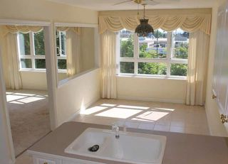 "Photo 7: 203 1250 55TH Street in Tsawwassen: Cliff Drive Condo for sale in ""SANDOLLAR"" : MLS®# V1128833"