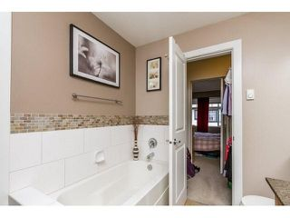 "Photo 12: 79 16233 83 Avenue in Surrey: Fleetwood Tynehead Townhouse for sale in ""Veranda"" : MLS®# F1447509"