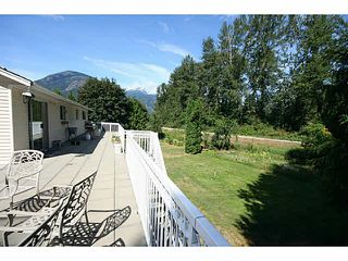 Photo 3: 1633 HIGHWAY 99 Highway: Pemberton House for sale : MLS®# V1136882