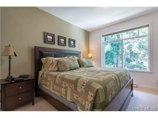 Photo 12: 302 594 Bezanton Way in VICTORIA: Co Olympic View Condo for sale (Colwood)  : MLS®# 711417