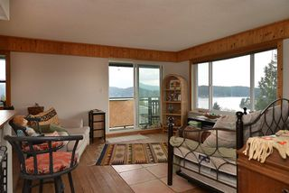 """Photo 3: 11 694 SCHOOL Road in Gibsons: Gibsons & Area Townhouse for sale in """"Sea Air Estates"""" (Sunshine Coast)  : MLS®# R2055911"""