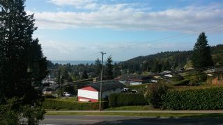 """Photo 17: 11 694 SCHOOL Road in Gibsons: Gibsons & Area Townhouse for sale in """"Sea Air Estates"""" (Sunshine Coast)  : MLS®# R2055911"""