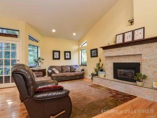 Photo 3: 211 FINCH ROAD in CAMPBELL RIVER: CR Campbell River South House for sale (Campbell River)  : MLS®# 742508