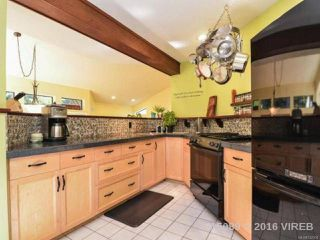 Photo 11: 211 FINCH ROAD in CAMPBELL RIVER: CR Campbell River South House for sale (Campbell River)  : MLS®# 742508