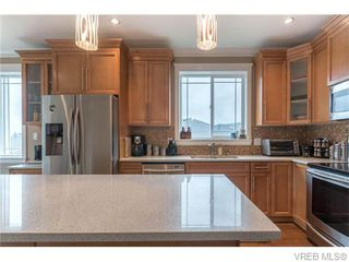 Photo 7: 2437 Prospector Way in VICTORIA: La Florence Lake Single Family Detached for sale (Langford)  : MLS®# 745602