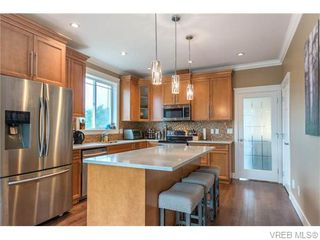 Photo 6: 2437 Prospector Way in VICTORIA: La Florence Lake Single Family Detached for sale (Langford)  : MLS®# 745602