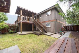 Photo 16: 1328 ZENITH Road in Squamish: Brackendale 1/2 Duplex for sale : MLS®# R2121750