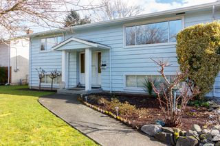 Photo 2: 10361 Patricia Pl in SIDNEY: Si Sidney North-East House for sale (Sidney)  : MLS®# 751850